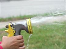 Balance water use hose spray
