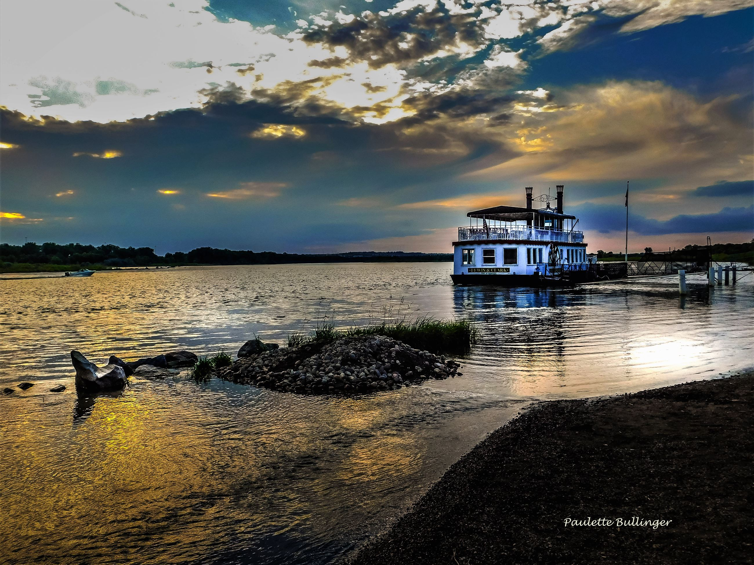 Photoshop Riverboat - Photo Credit - Paulette Bullinger